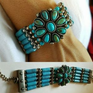 Lucky Brand Jewelry - Turquoise Blue Stone Flower Thick Bead Bracelet